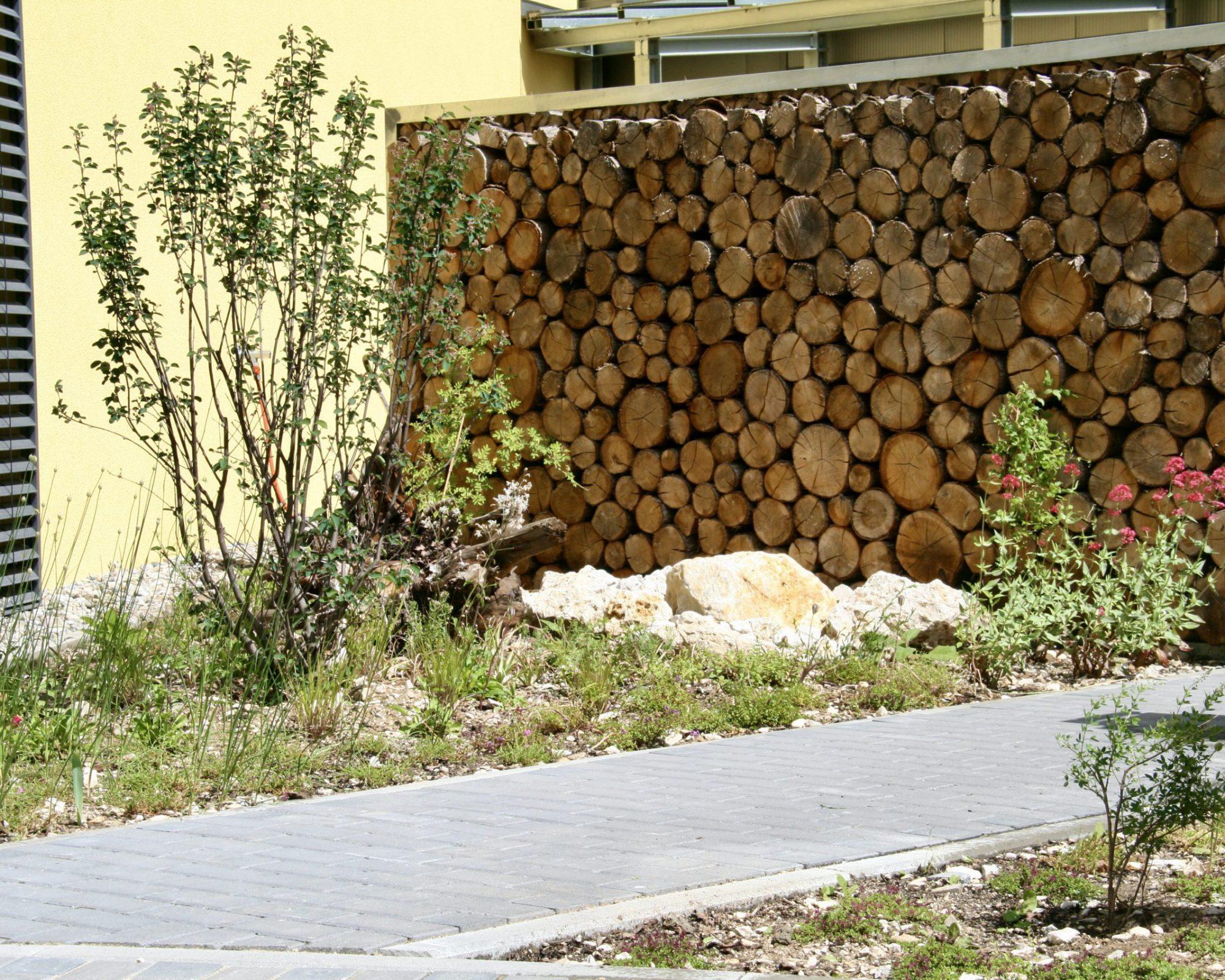 Sichtschutzelement aus Eichenholz